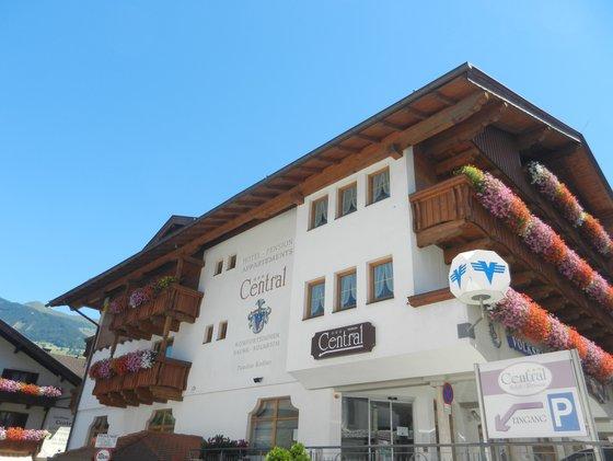 Hotel mit Zimmer und Apartments in Fügen